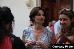 Nataliya Lomouri (ortada)