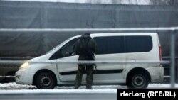 Перевірка автомобіля на кордоні Росії і Білорусії, 9 грудня 2014 року