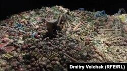 Инсталляция в главном павильоне Всемирной выставки в Милане напоминает о том, как много продуктов мы выбрасываем