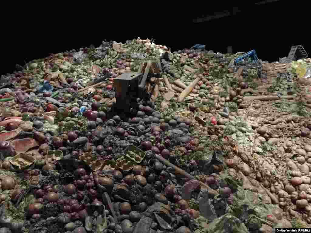 и сетуют на то, что наши современники выбрасывают продукты, не думая о голодающих
