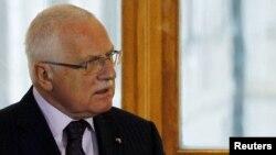 Вацлав Клаус скасував свою участь у саміті президентів країн Центральної Європи