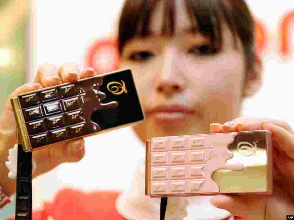 Япония. Мобильные телефоны с шоколадным дизайном