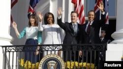 باراک اوباما و دیوید کامرون در کنار همسرانشان، میشل و سامانتا