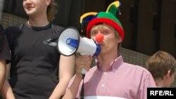"""Донецький студент у костюмі """"дешевого клоуна"""""""