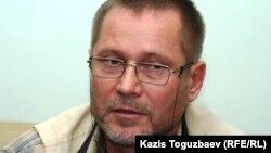 Журналист Сергей Дуванов. Алматы, 15 қараша 2010 жыл.