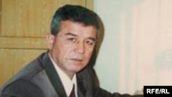 Uzbek writer and opposition activist Mamadali Mahmudov is shown in this undated photo.