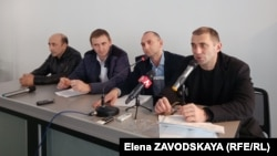 Активисты группы Джансух Адлейба, Дмитрий Акуция, Илья Шадания и Астамур Какалия
