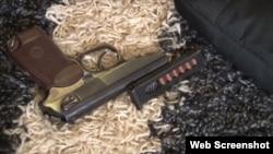 Скриншот № 3 с видео обыска ФСБ у Дмитрия Штыбликова