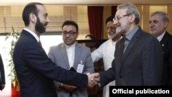 Катар - главы парламентов Армении и Ирана - Арарат Мирзоян (слева) и Али Лариджани, 8 апреля 2019 г․