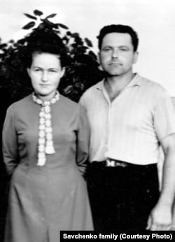 Мать Надежды Савченко, Мария и отец, Виктор
