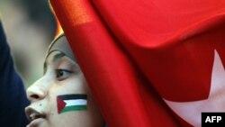 Франция - Палестиначыл активисттердин Париждеги демонстрациясынан. 3-июнь 2010-жыл.