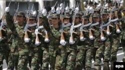 مقاتلات كرديات من قوات البيشمركه