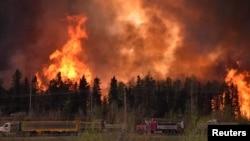 Лесной пожар в районе Форт-Макмюррея. Канада, 3 мая 2016 года.
