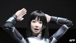 روباتی که توسط ژاپنی ها ساخته شده است