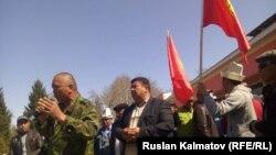 Аксыдагы оппозиция өкүлдөрүнүн митинги. 22-март, 2016-жыл
