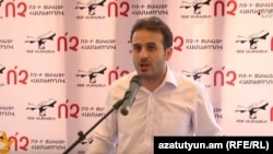Հայաստան -- «Չե՛ք անցկացնի» նախաձեռնության նախաձեռնող խմբի անդամ Արշակ Մուսախանյանը հանդես է գալիս համաժողովի բացման խոսքով, Երևան, 12-ը սեպտեմբերի, 2015թ․