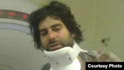 آخرین عکسی که گفته می شود از جوادی فر پس از بازداشت در بیمارستان گرفته شده است.
