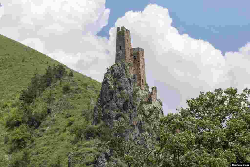 """Самый известный башенный комплекс Ингушетии и всего Северного Кавказа – конечно, Вовнушки. Переводится это вроде бы милое название как """"Место боевых башен""""."""
