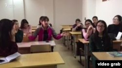Шахмардан Есенов атындағы Каспий мемлекеттік технологиялар және инжиниринг университетінің студенттері.