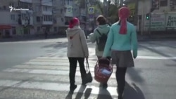 Дезинфекторы и «без масок не входить»: Пасха в крымском храме ПЦУ