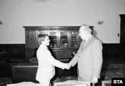 Наим Сюлейманоглу по време на срещата му с Тодор Живков