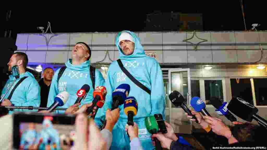 Брифинг Александра Усика в аэропорту «Борисполь»