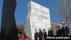 Апрель окуясынын курмандыктарын эскерүү, Бишкек, 7-апрель, 2012-жыл