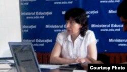 Tatiana Potîng la o dezbatere despre educație