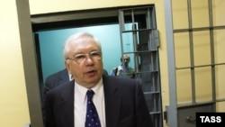 Владимир Лукин выступил против принудительного лечения активистки ОГФ