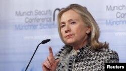 Në takimin e G20-ës merr pjesë edhe sekretarja amerikane e shtetit, Hillari Klinton.