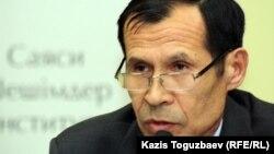 Әкімшілік өкілі Жанат Айтілеу. Алматы, 16 қазан 2012 жыл.