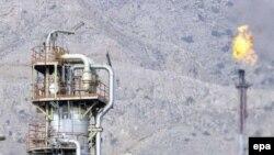 پارس جنوبی. تحریم ها توسعه سرمایه ذاری در صنایع نفت و گاز ایران را با مشکل جدی روبرو کرده است.