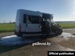 Мікроавтобус, що віз українських дітей, після аварії, 13 квітня 2018 року, фото ДАІ Брестської області Білорусі
