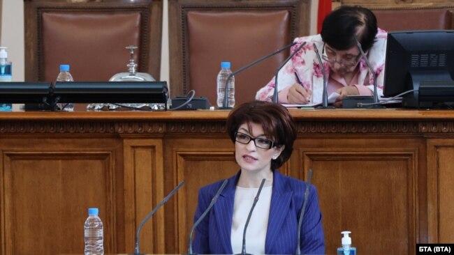 Десислава Атанасова, председател на ПГ на ГЕРБ
