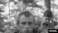 Михайло Бекетов у 1982 році (тоді студент 4 курсу факультету журналістики МДУ) під час військових зборів.