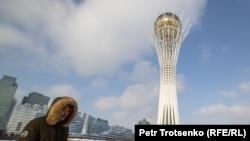 """""""Бәйтерек"""" монументі. Нұр-Сұлтан, 16 қараша 2020 жыл."""