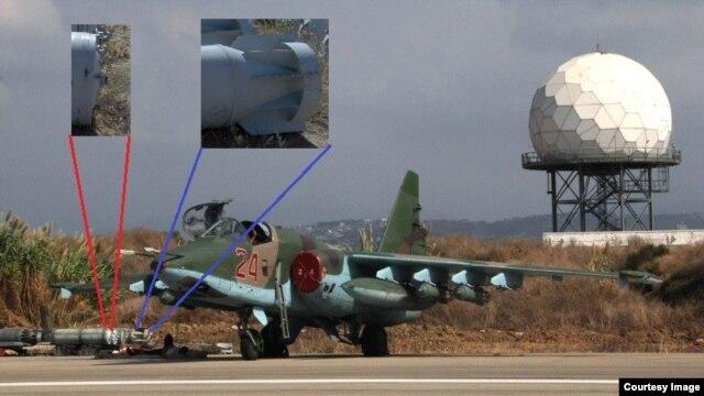 Кассетные бомбы на российском самолете на авиабазе Хмеймим в Сирии