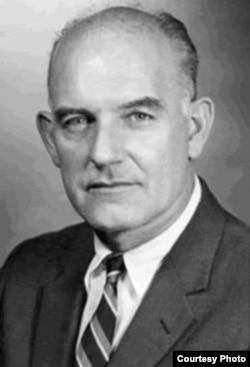 Adolph Dubs