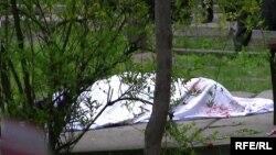 ЖКнын депутаты Санжар Кадыралиевди 14-апрелде Бишкекте атын өлтүрүштү.