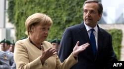 Kancelarja Angela Merkel me kryeministrin grek, Antonis Samaris