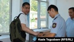 Бизнесмен Искандер Еримбетов в зале суда. Алматы, 18 июля 2018 года.