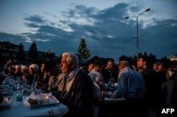 مراسم افطار در کاچانیک