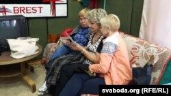 На рэпэтыцыі беларускага калектыву «Сьвітанак» у Вісагінасе