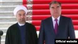 Президент Ирана Хасан Роухани (слева) и президент Таджикистана Эмомали Рахмон. Душанбе, 10 сентября 2014 года.