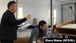 Подсудимый Ерлан Набиев, находящийся под домашним арестом. Караганда, декабря 2019 года.