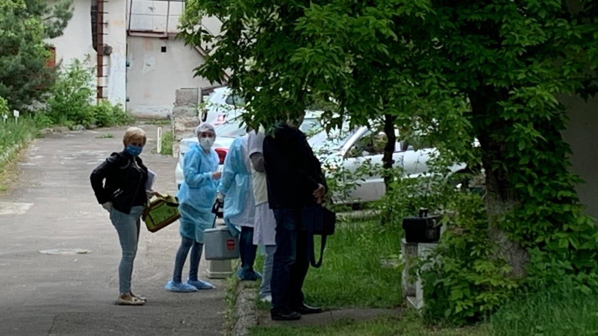 От недели до двух приходится ожидать результат теста на коронавирус в Львове