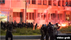 Beograd: Okršaji policije sa demonstrantima