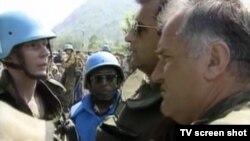 Ratko Mladić u Srebrenici, juli 1995.