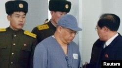 Kenneth Bae, njëri nga të burgosurit amerikanë që është liruar të shtunën nga Koreja e Veriut.