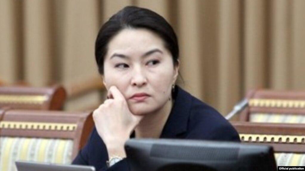 Жогорку Кеңеш Индира Жолдубаеваны кызматтан алуу сунушун колдоду (Видео)